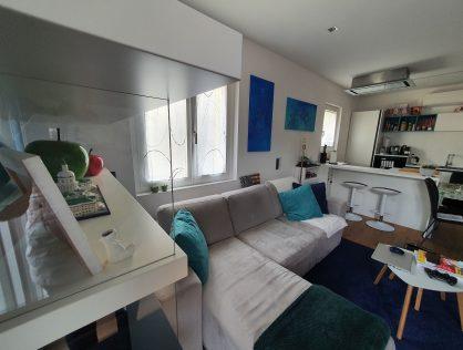 Helle 2/3-Zimmer Wohnung mit schöner Aussicht in Bozen, in der Alessandriastraße