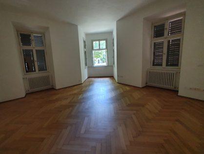 Bozen – Zentrum, Vermietung Bürolokal über 200 qm in historischem Gebäude
