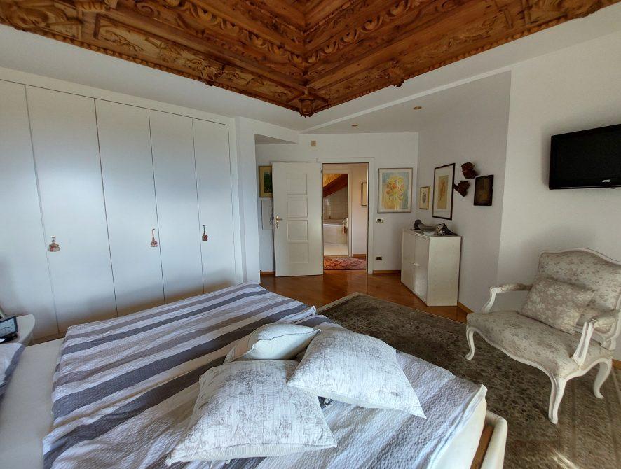 großes Zimmer 5